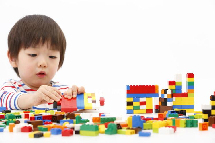 男の子にも女の子にも人気の「レゴブロック」